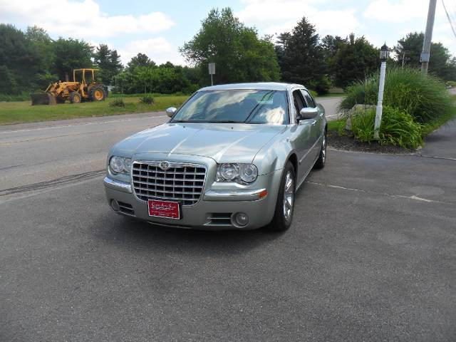 used 2005 chrysler 300c for sale 36 north main street carver ma 02330 used cars for sale. Black Bedroom Furniture Sets. Home Design Ideas