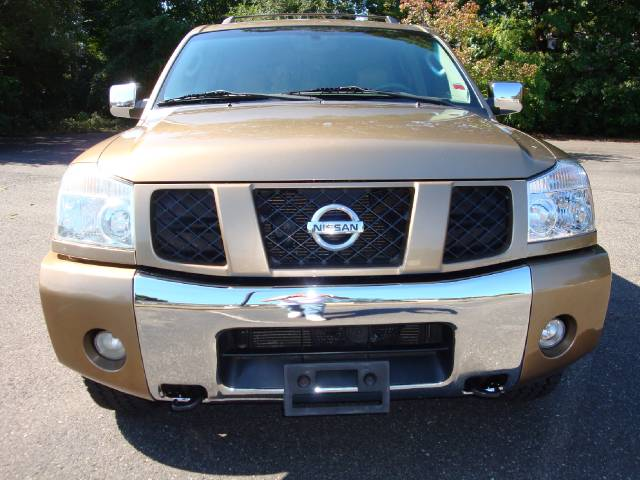 Image 10 of 2004 Nissan Armada SE…