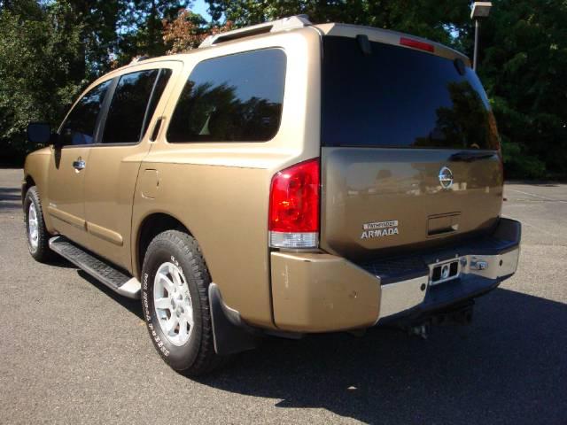Image 11 of 2004 Nissan Armada SE…