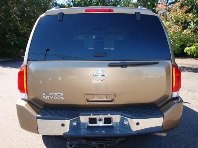 Image 12 of 2004 Nissan Armada SE…