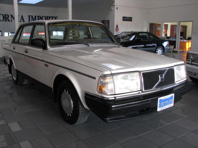 1986 Volvo 240 for sale