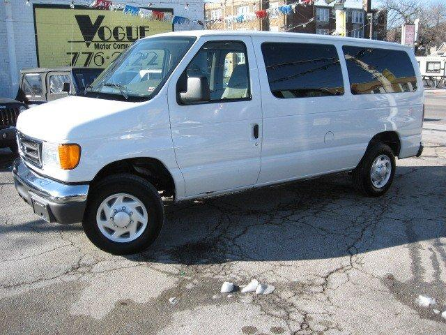 2004 Ford Econoline Wagon