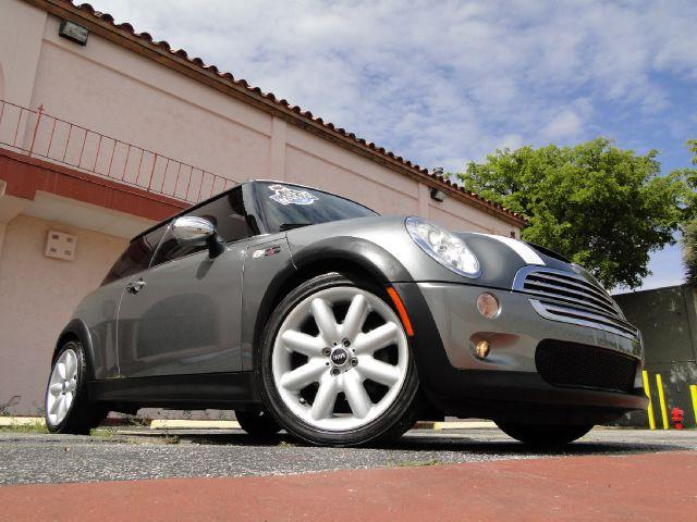 2006 Mini Cooper Base - Miami FL