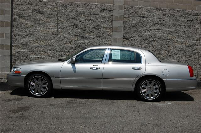 lincoln town car cartier edition used cars for sale. Black Bedroom Furniture Sets. Home Design Ideas