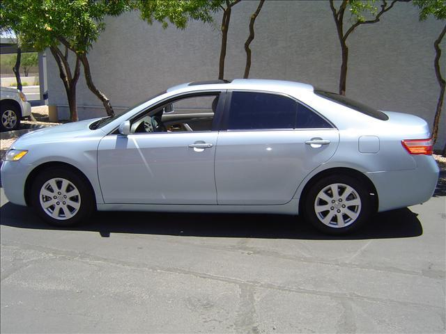 2007 toyota camry se light blue. Black Bedroom Furniture Sets. Home Design Ideas