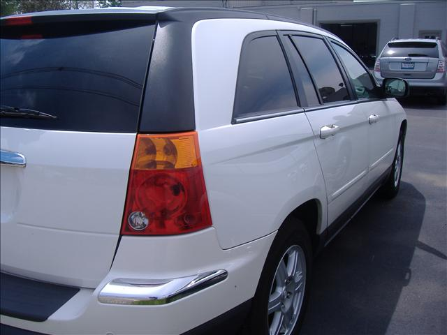Image 8 of 2006 Chrysler Pacifica…