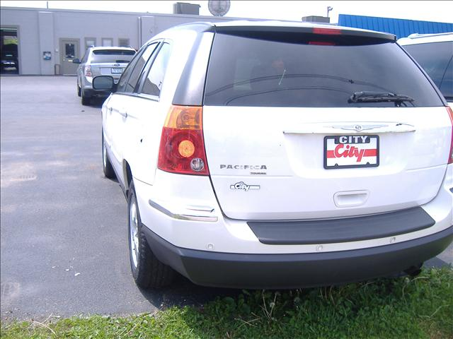 Image 9 of 2006 Chrysler Pacifica…