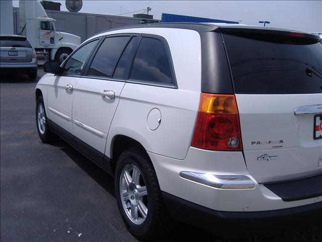 Image 12 of 2006 Chrysler Pacifica…