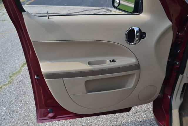 Image 11 of 2006 Chevrolet HHR 4-Cylinder…