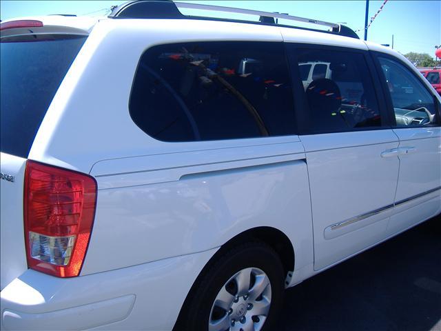 Image 10 of 2007 Hyundai Entourage…