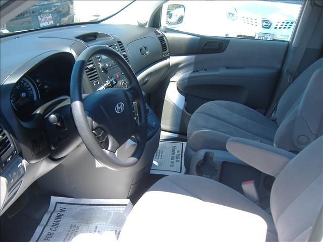 Image 12 of 2007 Hyundai Entourage…