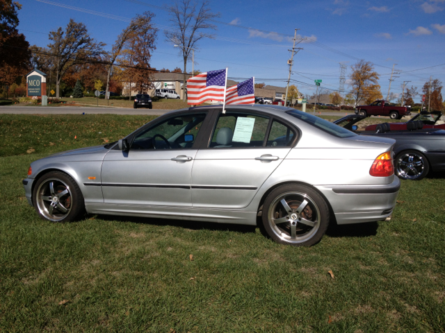 2000 BMW 3 series 323i - North Aurora IL