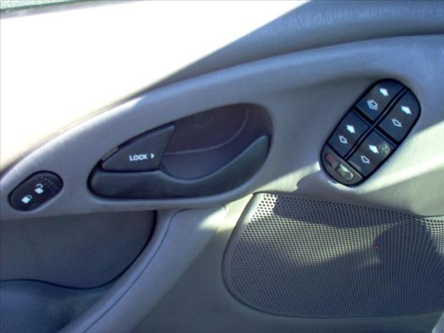 Image 17 of 2004 Ford Focus WGN…