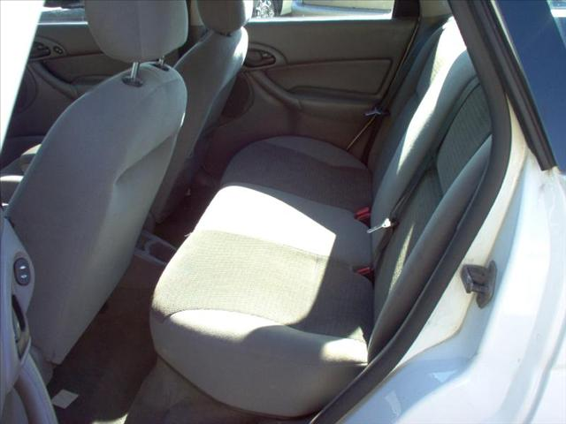 Image 25 of 2004 Ford Focus WGN…