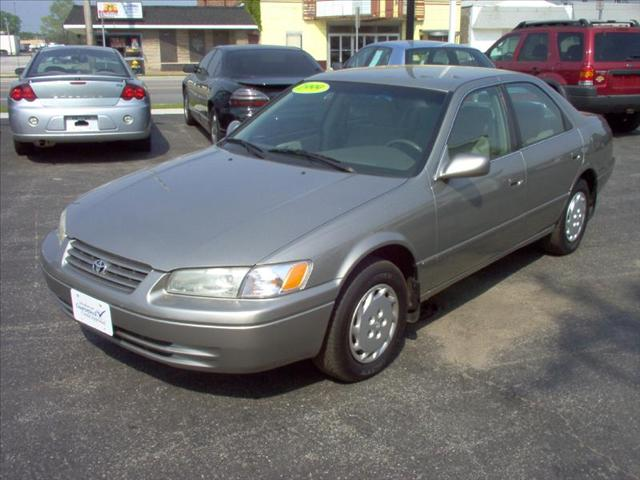 Image 10 of 1999 Toyota Camry LE…