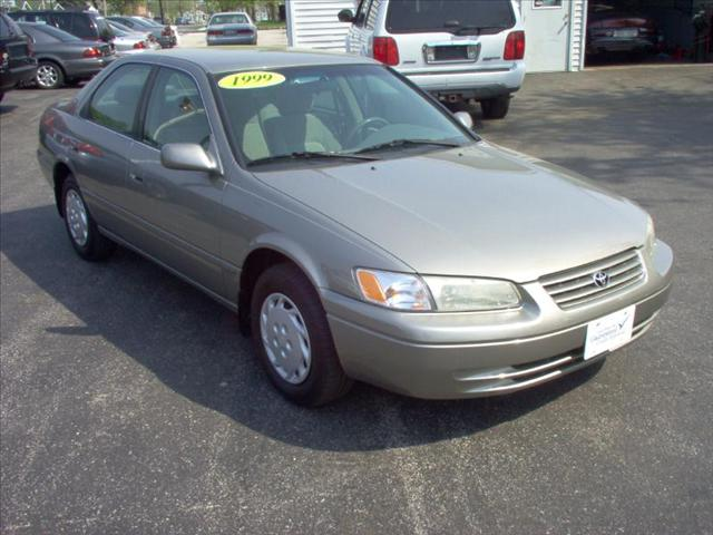 Image 12 of 1999 Toyota Camry LE…