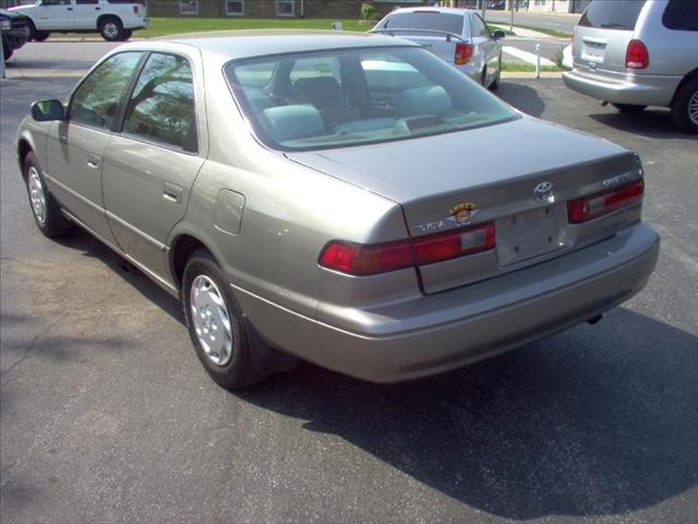 Image 14 of 1999 Toyota Camry LE…