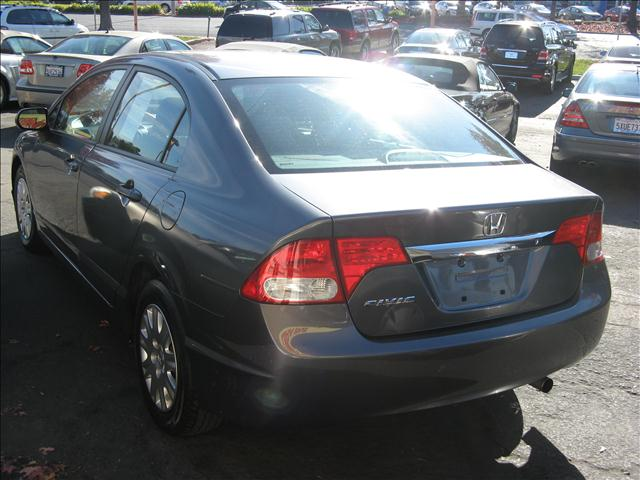 2010 Honda Civic DX-VP Sedan 5-Speed AT - Sunnyvale CA