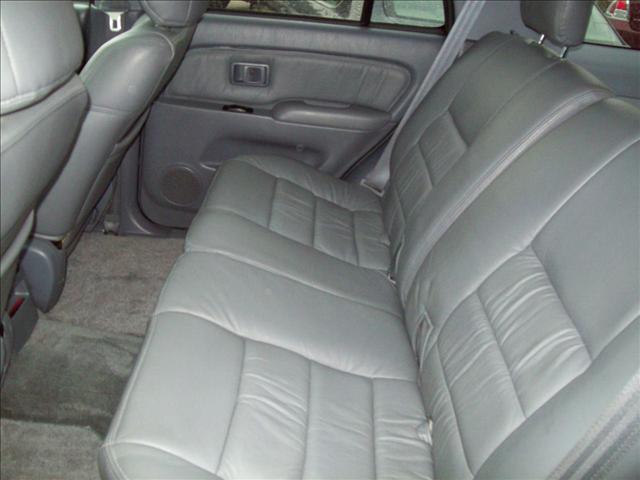 Image 10 of 2000 Toyota 4Runner…
