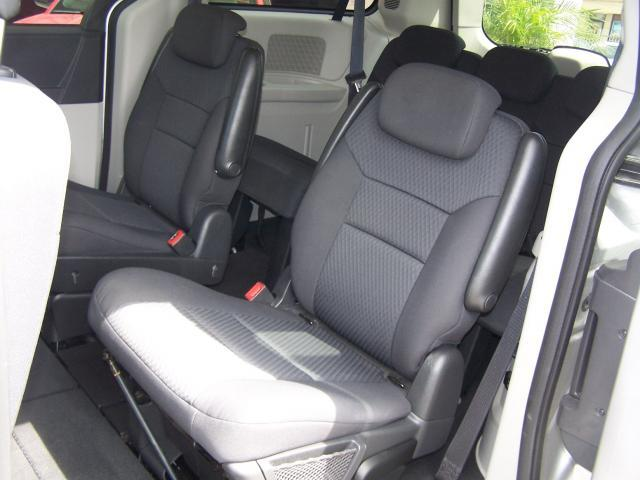 Image 2 of 2010 Dodge Grand Caravan…