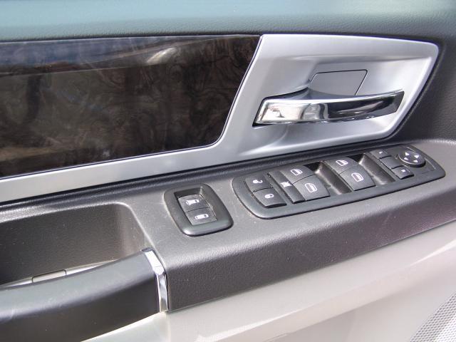 Image 11 of 2010 Dodge Grand Caravan…