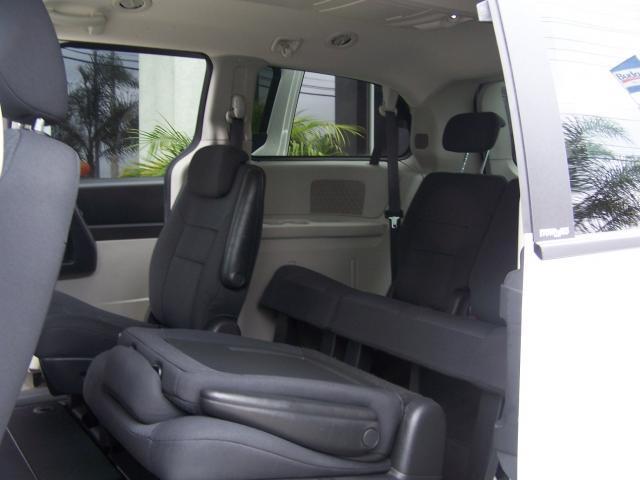 Image 12 of 2010 Dodge Grand Caravan…