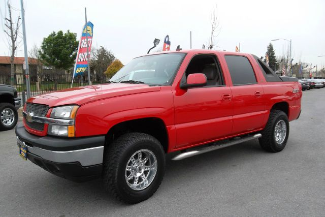 2006 CHEVROLET AVALANCHE 1500 4WD red -this is truly a clean and original avalanche with a z71 pac