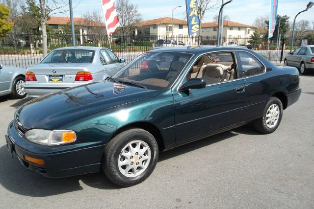 1995 TOYOTA CAMRY LE COUPE green -this is truly a clean and original vehicle with a clean title an