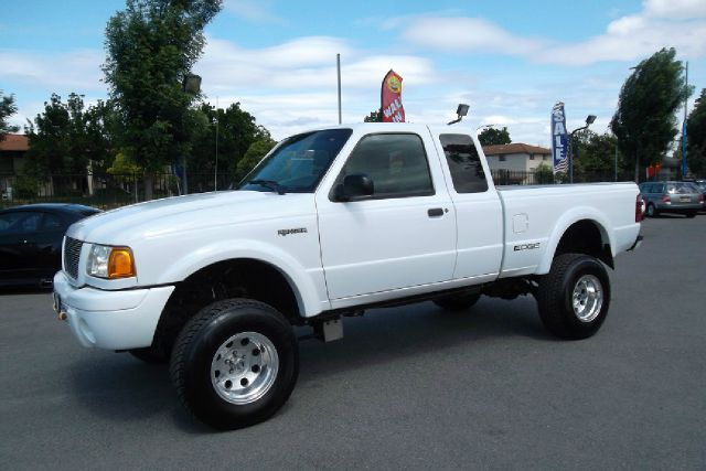 2001 FORD RANGER EDGE SUPERCAB 40 4WD white -this is a very clean lifted truck with a clean title