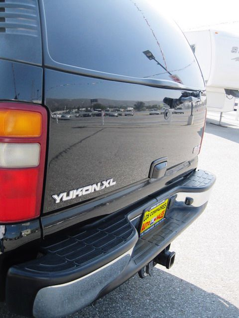 Image 9 of 2003 GMC Yukon XL SLT…