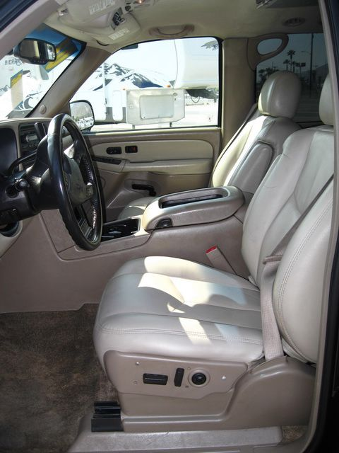 Image 13 of 2003 GMC Yukon XL SLT…