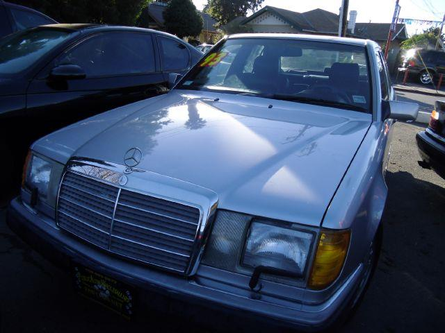 1993 MERCEDES 300 300E