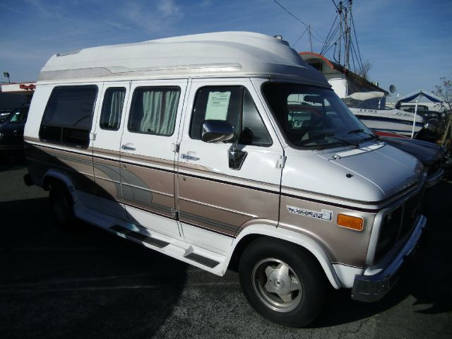 1993 GMC VANDURA G2500 CONVERSION white abs brakesanti-brake system 2-wheel absbody style inco