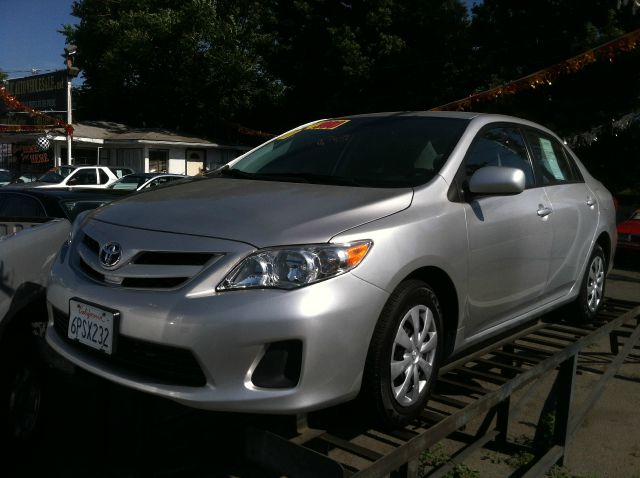 2011 TOYOTA COROLLA LE 4-SPEED AT silver abs brakesair conditioningamfm radioanti-brake system