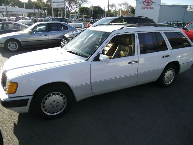 1992 MERCEDES-BENZ 300 TE white 163202 miles VIN WDBED90E4NF195985 