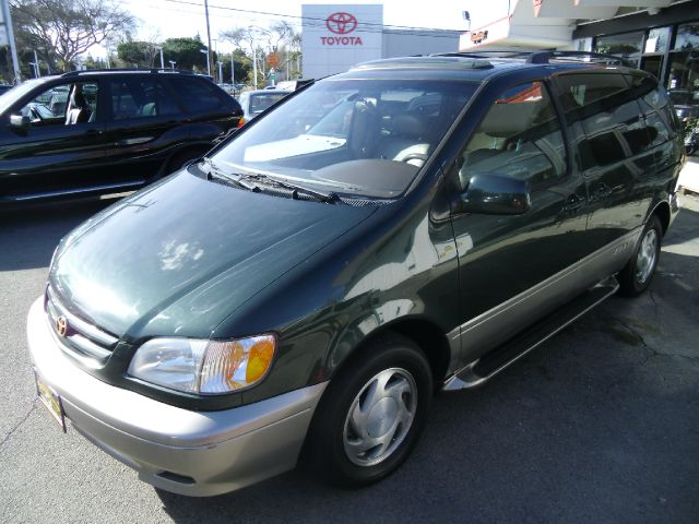 2001 TOYOTA SIENNA XLE green abs brakesair conditioningalloy wheelsamfm radioanti-brake syste