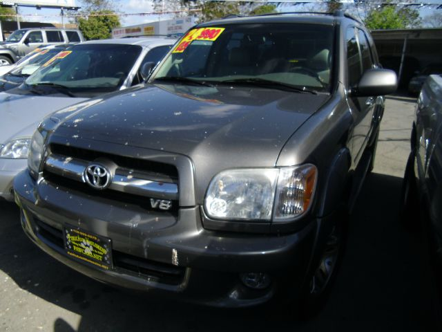 2005 TOYOTA SEQUOIA LIMITED 4WD gray 4wdawdabs brakesair conditioningalloy wheelsamfm radio