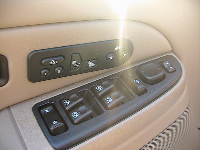Image 6 of 2005 Chevrolet Tahoe…