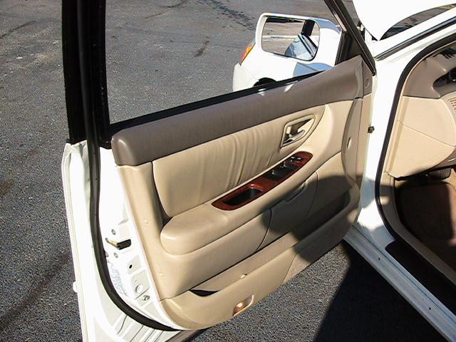 Image 8 of 2000 Toyota Avalon XLS…