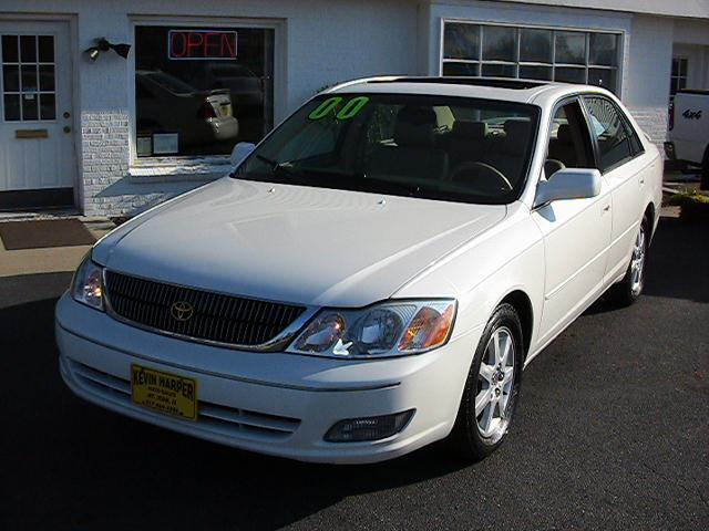 Image 12 of 2000 Toyota Avalon XLS…