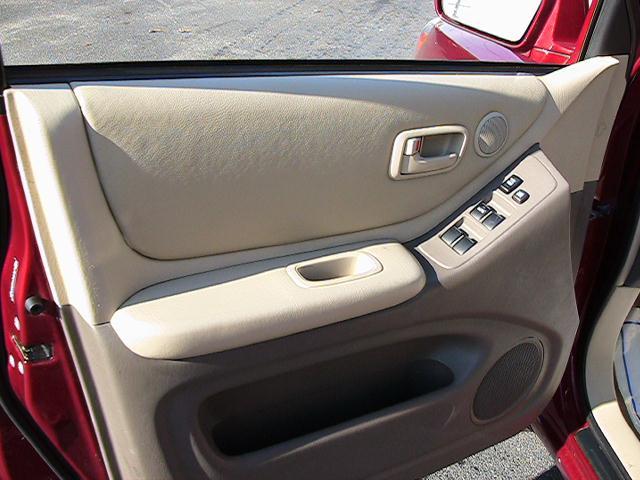 Image 2 of 2005 Toyota Highlander…
