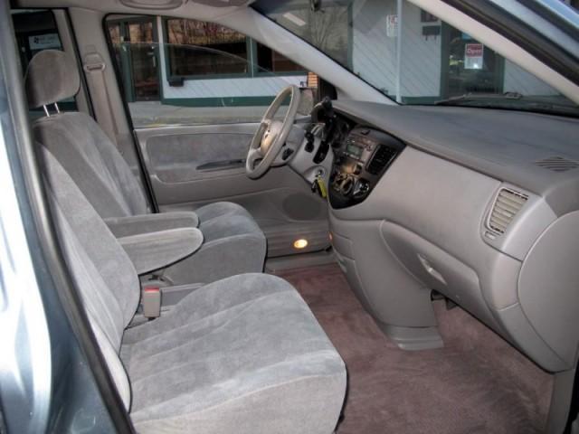 Image 18 of 2003 Mazda MPV 4dr LX…