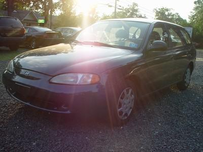 Image 1 of 1998 Hyundai Elantra…