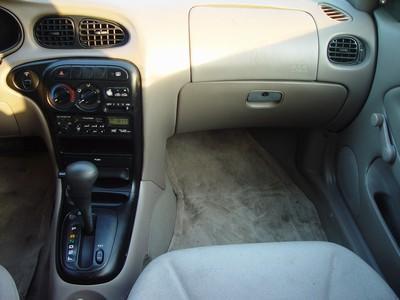 Image 2 of 1998 Hyundai Elantra…