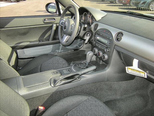 Image 16 of 2011 Mazda MX-5 Miata…
