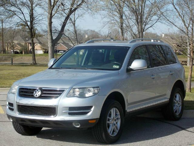 2008 VOLKSWAGEN TOUAREG 2 VR6 FSI silver  all internet prices are reduced for cash cashiers c