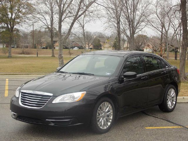 2012 CHRYSLER 200 LX black  all internet prices are reduced for cash cashiers check or same a