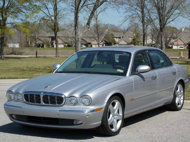 2005 JAGUAR XJ8 XJ8L silver  all internet prices are reduced for cash cashiers check or same 
