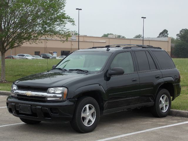 2006 CHEVROLET TRAILBLAZER LS 2WD black  all internet prices are reduced for cash cashiers ch