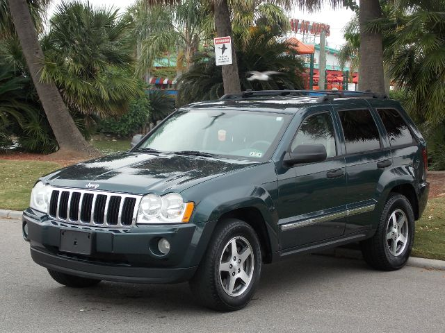 2005 JEEP GRAND CHEROKEE LAREDO 2WD green  all internet prices are reduced for cash cashiers